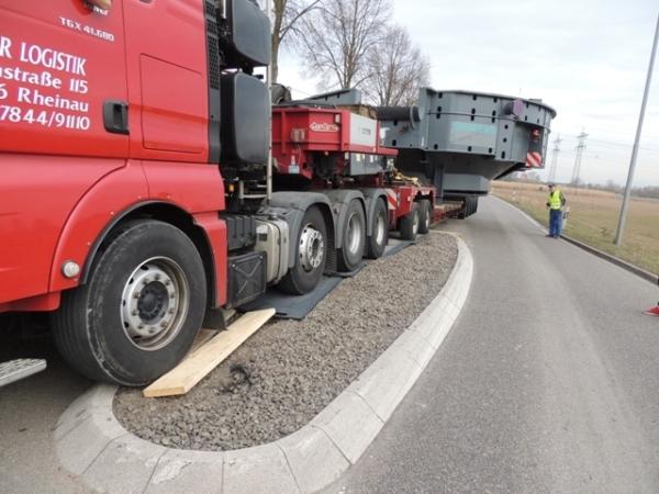 Fahrplatte Performance Flächenschutz Schwertransport Verkehrsinsel