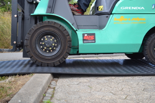 Bodenschutzplatte Flex Bordstein überfahren