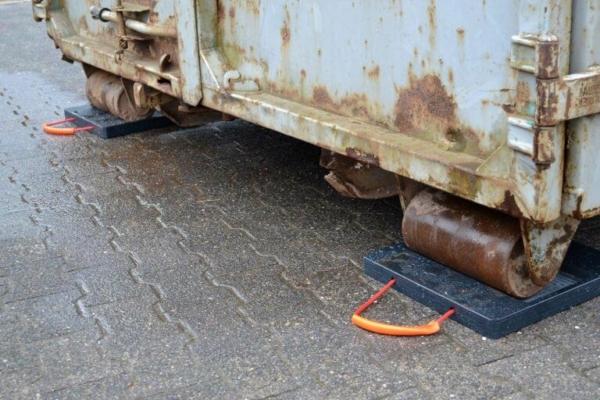 Abstütztechnik Containerplatte im Einsatz
