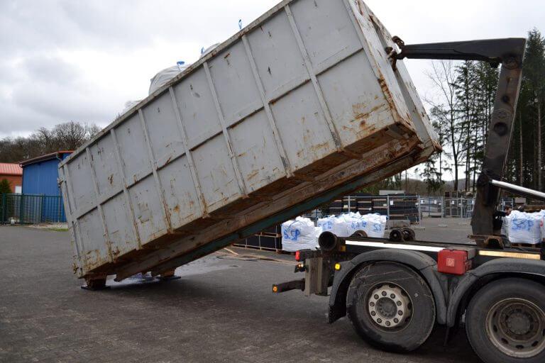 Containerplatte aus Kunststoff im Einsatz