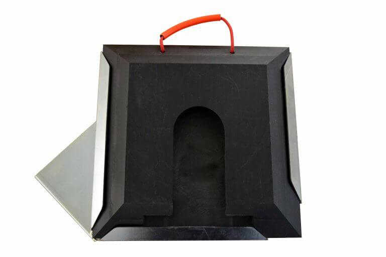 Steckplatte quadratisch schwarz mit Halter rechts